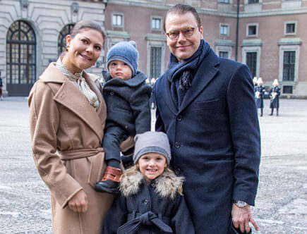 Kronprinsessan Victoria, prins Daniel, prinsessan Estelle och prins Oscar