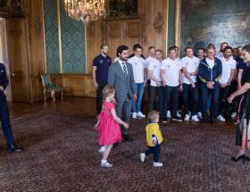 Prins Daniel, prins Carl Philip, kronprinsessan Victoria, prinsessan Estelle och prins Oscar