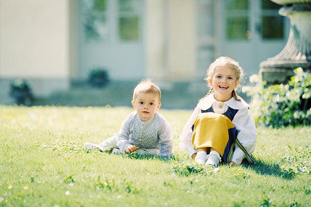 Prinsessan Estelle och prins Oscar på Haga