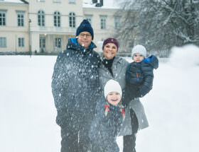 Årets härliga julhälsning från kronprinsessafamiljen.
