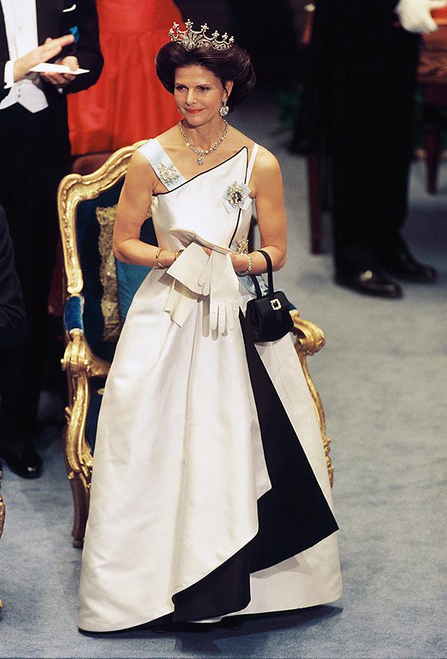 Drottning Silvias så snygga Nobelklänning år 1994 av designern Jacques Zehnder.