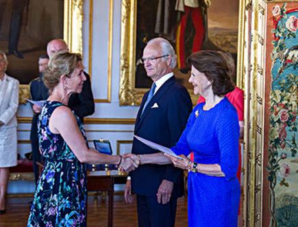 Kungen, drottning Silvia och Helen Sjöholm