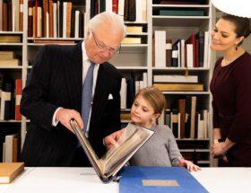 Kungen, kronprinsessan Victoria, prinsessan Estelle, Bernadottebiblioteket, Kungliga slottet