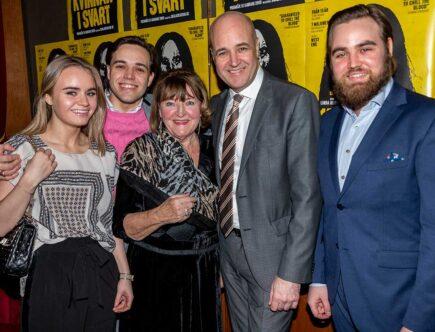 Fredrik Reinfeldt med Erik, Gustav, Ebba och Birgitta Reinfeldt Tunved.